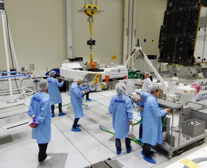 Metop VLD lifting stage preparation